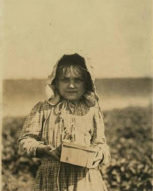 Alberta McNatt, Cannon, Delaware, May 1910. Photo by Lewis Hine.
