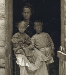 Bessie, Camilla, and Joseph Hicks
