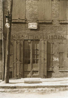 Factory, where Harry McShane was injured. 312 Yeatman Alley, Cincinnati (Lewis Hine caption).