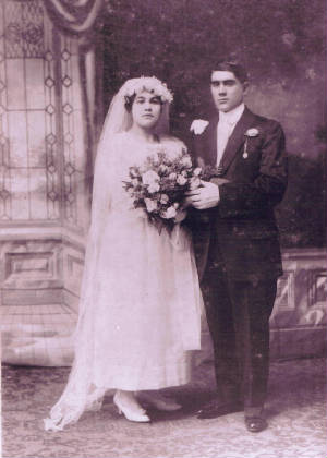 Carmina Caruso Leccese and Cosmo Leccese on wedding day, 1918. Photo provided by family.