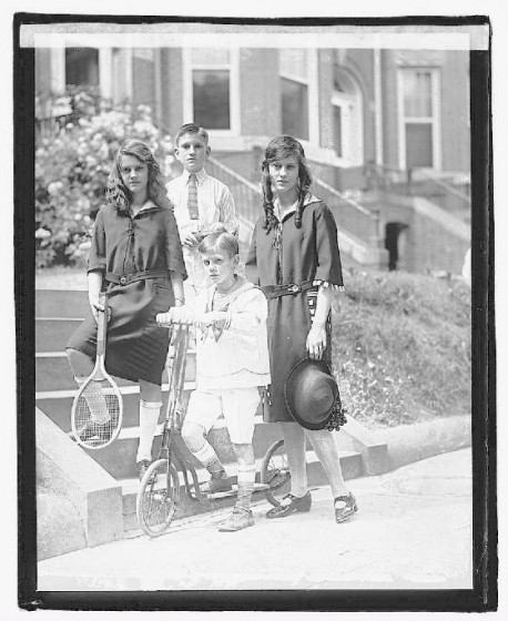 Children Of Nathaniel Dial, May 27, 1922. National Photo Company.
