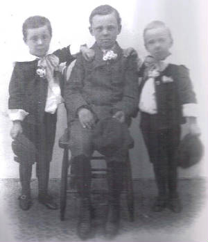 (L tor R) Earl, Dean and Glen Dungey, circa 1907