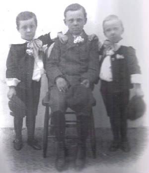 (L tor R) Earl, Dean and Glen Dungey, circa 1907