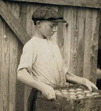 Edgar Kitchens, 1916. Photo by Lewis Hine.