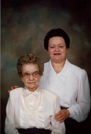 Fannie Sweeney Henderson and daughter Jean McFerrin, 1993. Photo provided by family.