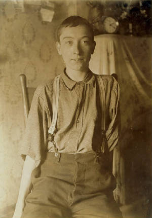 Harry McShane, Cincinnati, Ohio, August 1908. Photo by Lewis Hine.