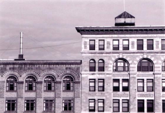 (L-R): Hoosac Savings Bank building & Dowlin Block. Photo by Joe Manning, 2000.