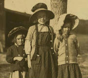 (L-R): Jeanette, Isabella and Anita Roy, Fall River, Mass, Sept 1911. Photo by Lewis Hine.
