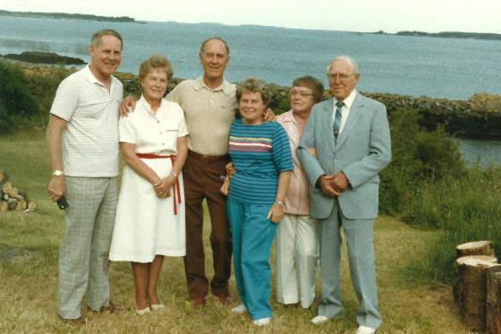Otto Arnesen with children (L-R): John, Charlotte, Arne, Genevieve & Frances.