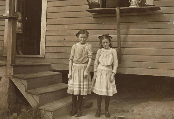 Lacy (12) and Savannah Ballard (11), Gastonia, North Carolina, November 1908. Photo by Lewis Hine.