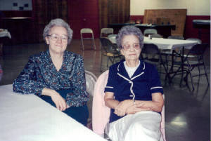 Fannie Sweeney Henderson (right) & sister Lela Cannon (Peggy Smith's mother), 1995. Provided by family.