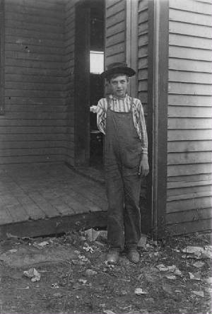 Luther Watson (15 yrs old), Corinth, Kentucky, November 1907. Photo by Lewis Hine.