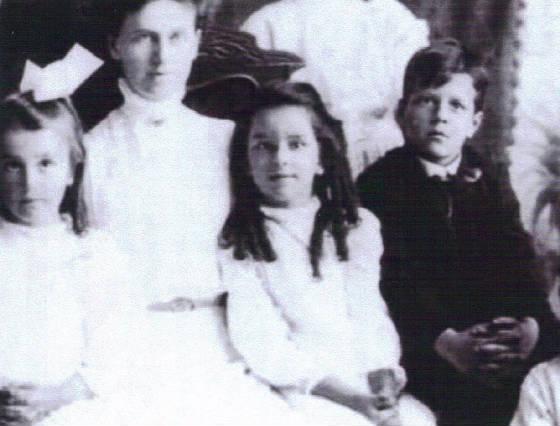 Hiram Polk (right) , White School, Vinalhaven, ME, 1912. Courtesy of Vinalhaven Historical Society.