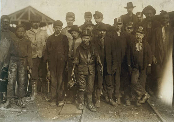 Henry Sharp Higginbotham (front-center), Bessie Mine, Alabama, 1910, photo by Lewis Hine