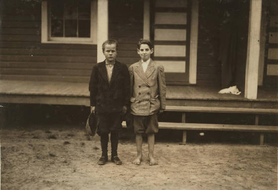 Simon Birdsong (left), Roanoke Rapids, North Carolina, November 1914. Photo by Lewis Hine
