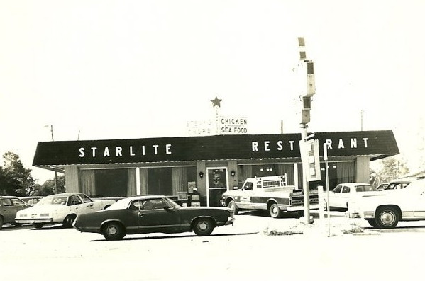Starlite Restaurant, Salem, Illinois, late 1960s. Courtesy of Stephen Frakes.