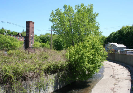 Area where Tannery Yard mill houses used to be, 2009
