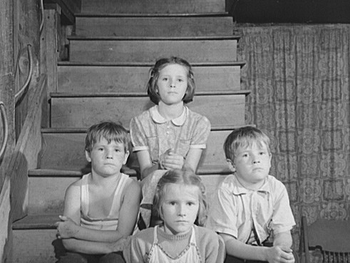 Wilfred (left) & Alfred, Elaine (top) & Glenice, Guilford, Vt, Aug 1941. Photo by Jack Delano.