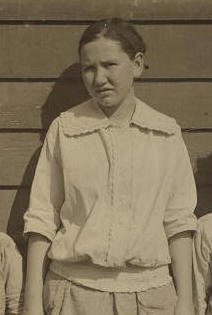 Alice Padgett, 1914. Photo by Lewis Hine.