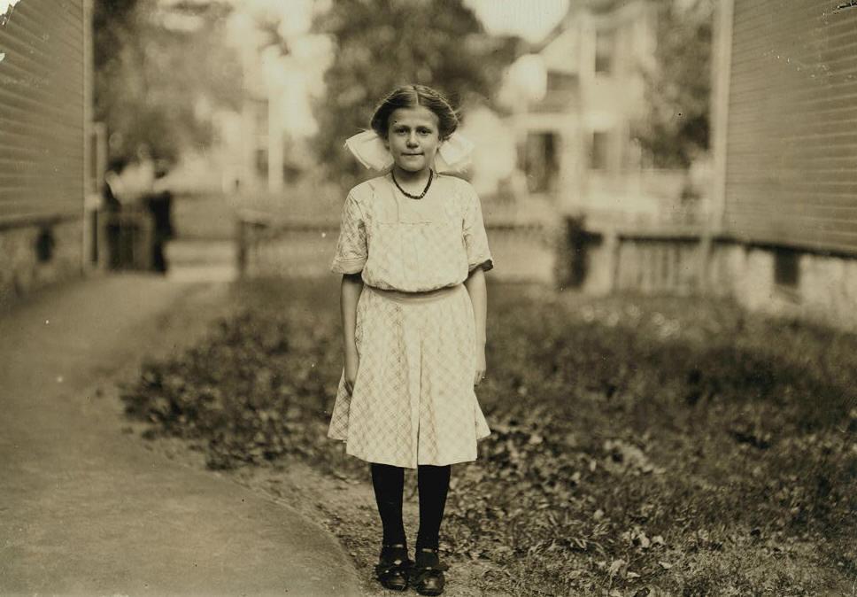 Antoinette Pothier, Lawrence, Massachusetts, September 1911. Photo by Lewis Hine.