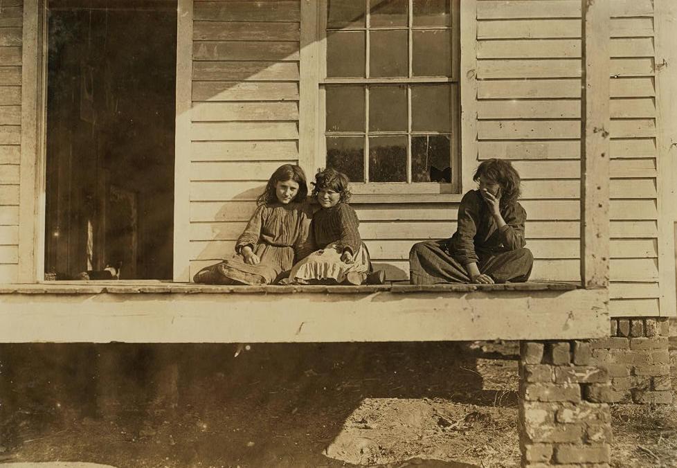 Daisy Estes (right), Cora Estes (middle), Chester, SC, Nov 1908. By Lewis Hine.