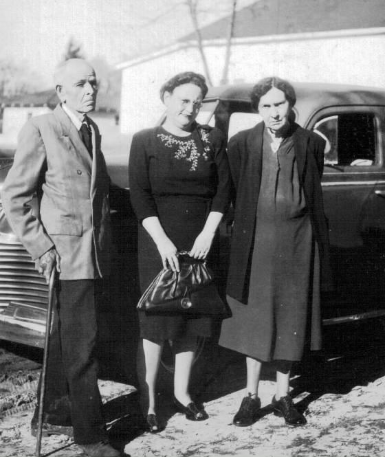 Elizabeth Young (Murdaugh) with John Edward and Alice Murdaugh, 1940s.