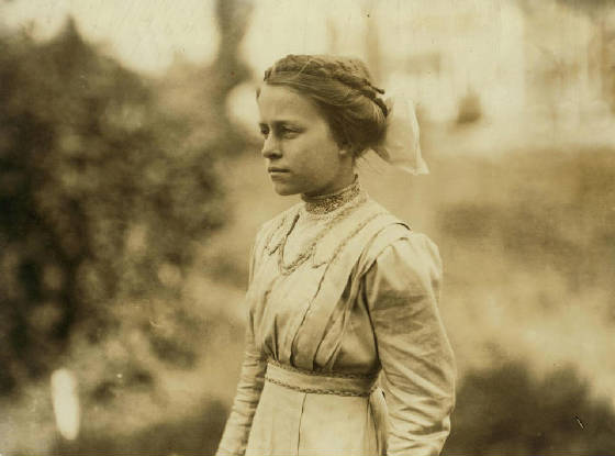 Eva Tanguay, Lawrence, Massachusetts, September 1911. Photo by Lewis Hine.