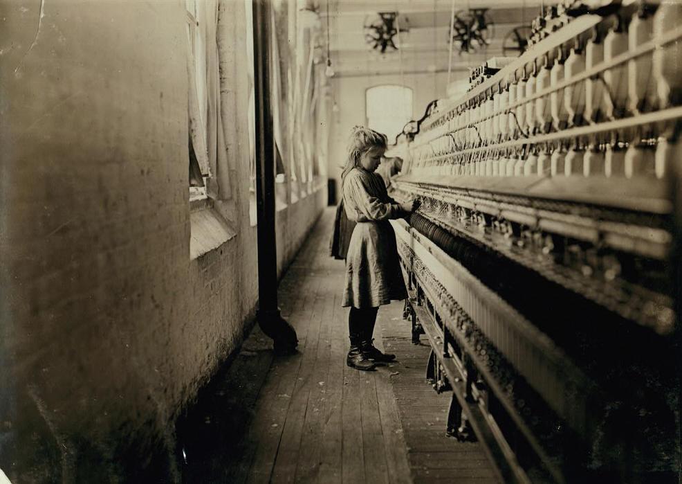 Hattie Hunter, 13 years old, Lancaster, SC, Dec 1, 1908. Photo by Lewis Hine.