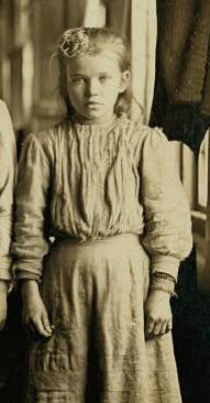 Hattie Hunter, December 1, 1908. Photo by Lewis Hine.
