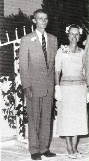 Hawkins Parker and wife Eddie Lou Young Parker, 1958.