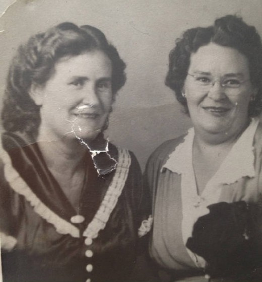 Lalar Blanton Cook (left), about 45 years old, with sister Lillie.