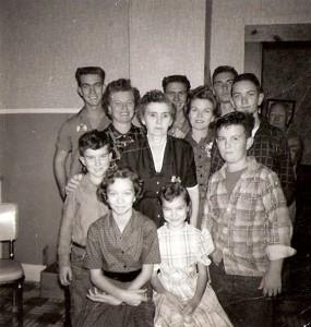 Selena Walls Barefield with grandchildren. Daughter Hazel to Selena's right.