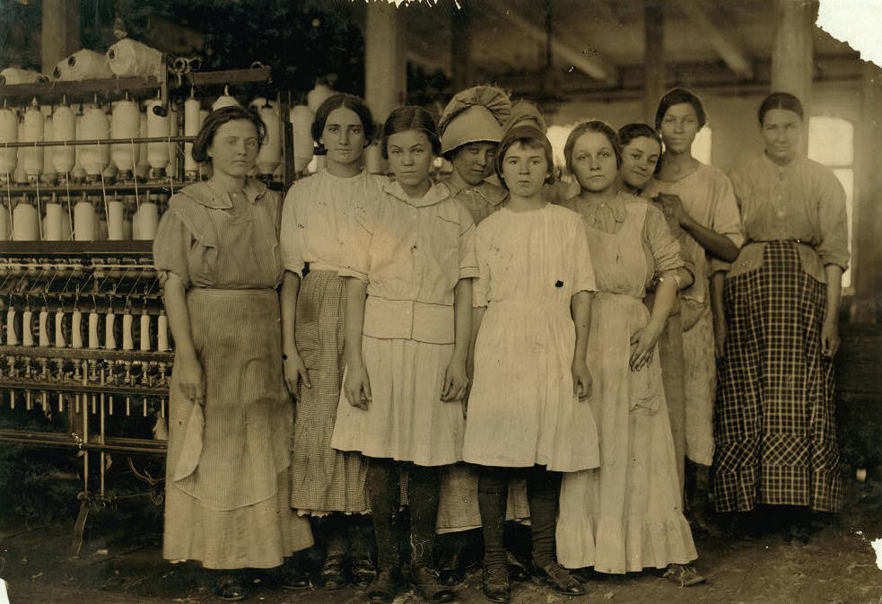 Selena Walls (front-right), West, Texas, November 1913. Photo by Lewis Hine.