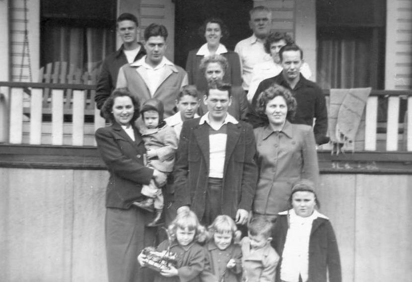 Fred and Edith Willingham with their family.