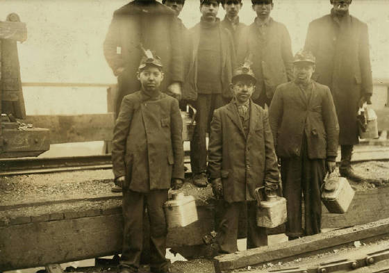 Arthur Havard (front row, middle), 13 yrs old, South Pittston, PA, Dec 1910. Photo by Lewis Hine.
