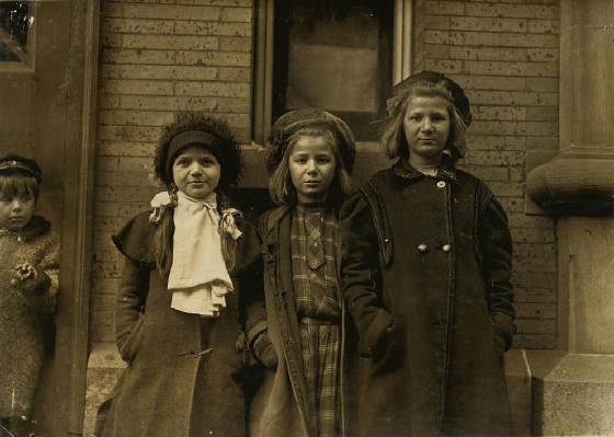 Bessie Brownstein (left), 8 yrs old, Hartford, Connecticut, March 1909. Photo by Lewis Hine.