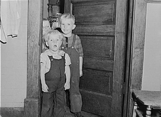 Front to back: Edgar (4), Oliver Jr. (5), Neil (2) Bettenhausen, McIntosh County, ND, Nov 1940.