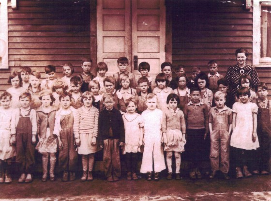 Carl Blizzard at Kempton School, 1935 (third from right in 2nd row)