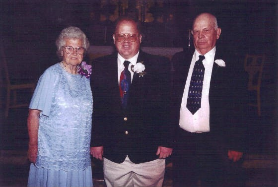 Carl and Ruby Blizzard, with son William on his wedding day, 2000.