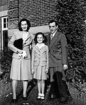 Edward and Anna Zizza, with daughter Edna, 1944.