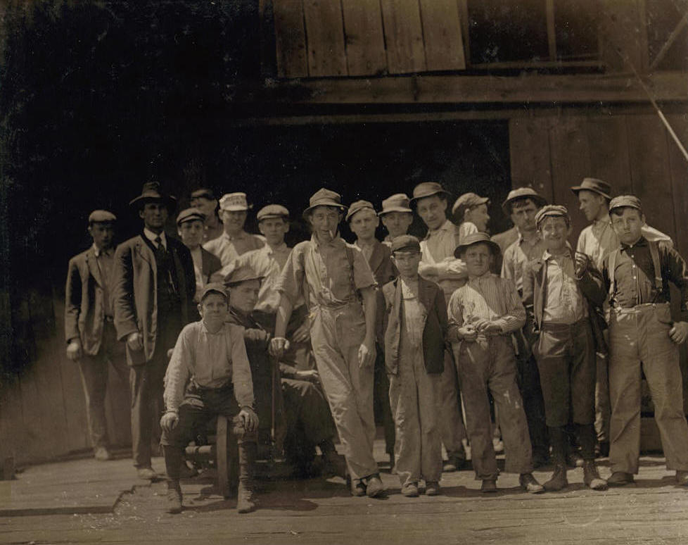 Frank Dwyer (4th boy from right, front row), Alton, Illinois, May 17, 1910. Photo by Lewis Hine