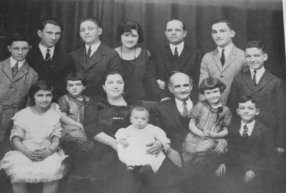 Levine family, 1923. Top row (L-R): Jacob, Morris, Hyman, Celia, Louis, Frank, Charles Bottom row (L-R): Hilda, Margaret, Fannie, Irving (baby), Louis, Mildred, David.