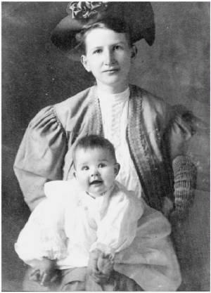Betsy Price with her mother, Mabel Milligan Price.