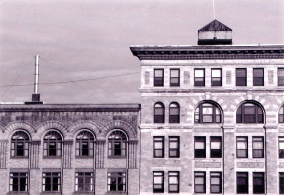 (L-R): Hoosac Savings Bank building & Dowlin Block. Photo by Joe Manning, 2000.
